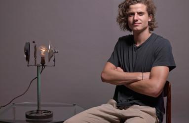 Hugo with Lamp